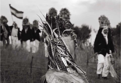 Prikupljanje fotografija Loparskih maškara za potrebe izložbe
