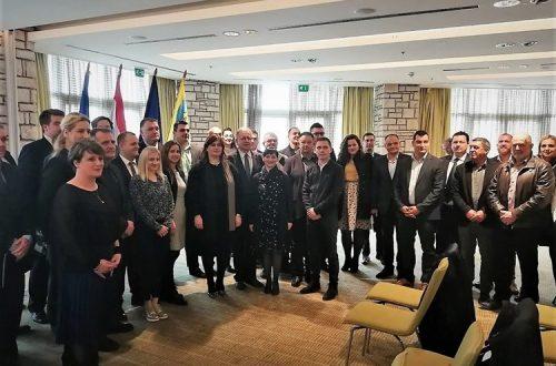 Na Hvaru uručen Ugovor o sufinanciranju izgradnje nerazvrstane ceste – pristupna cesta RZ Sorinj