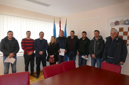 Potpisani ugovori između Općine Lopar i udruga koje djeluju na području Općine Lopar