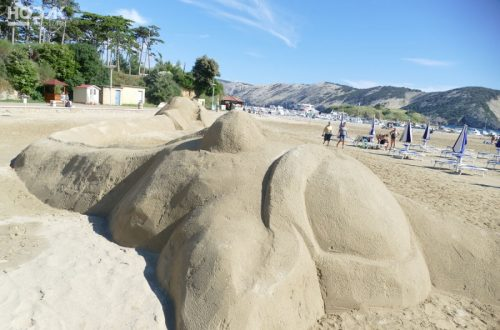 Fotografije skulptura od vode i pijeska s Rajske plaže obišle svijet