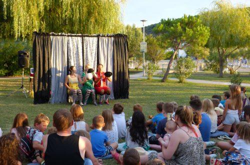 Mali cirkuski cabaret gostovao u Loparu